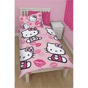 Hello Kitty Kiss Duvet Set