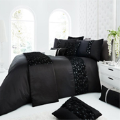Signature Roselles Black Duvet Set