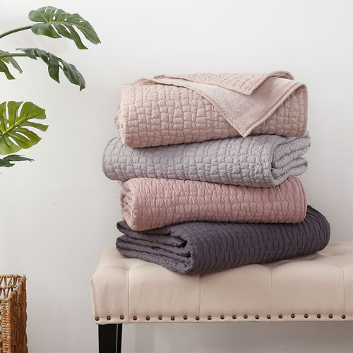 Sleepdown Luxurious Cosy Fleece Throw Blush