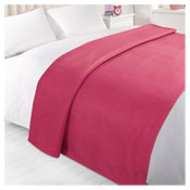 Snug & Cosy Fleece Blanket Fuschia